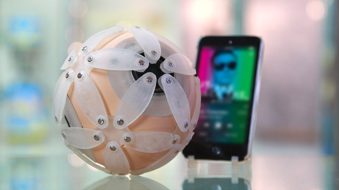 speakerball with iPod