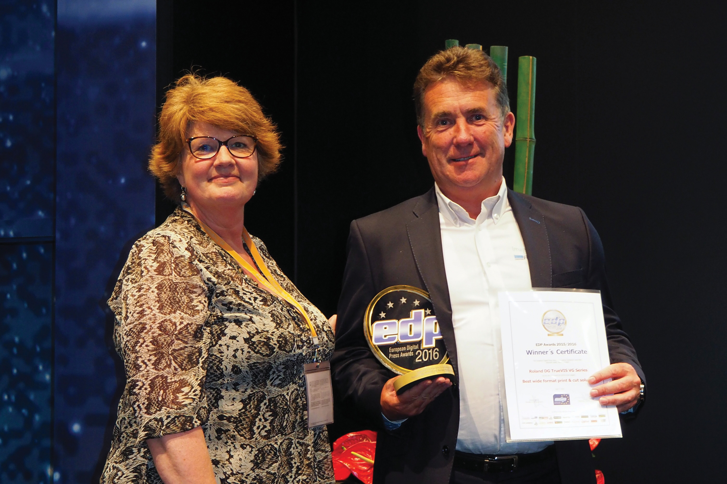 Roland DG accepts EDP Award
