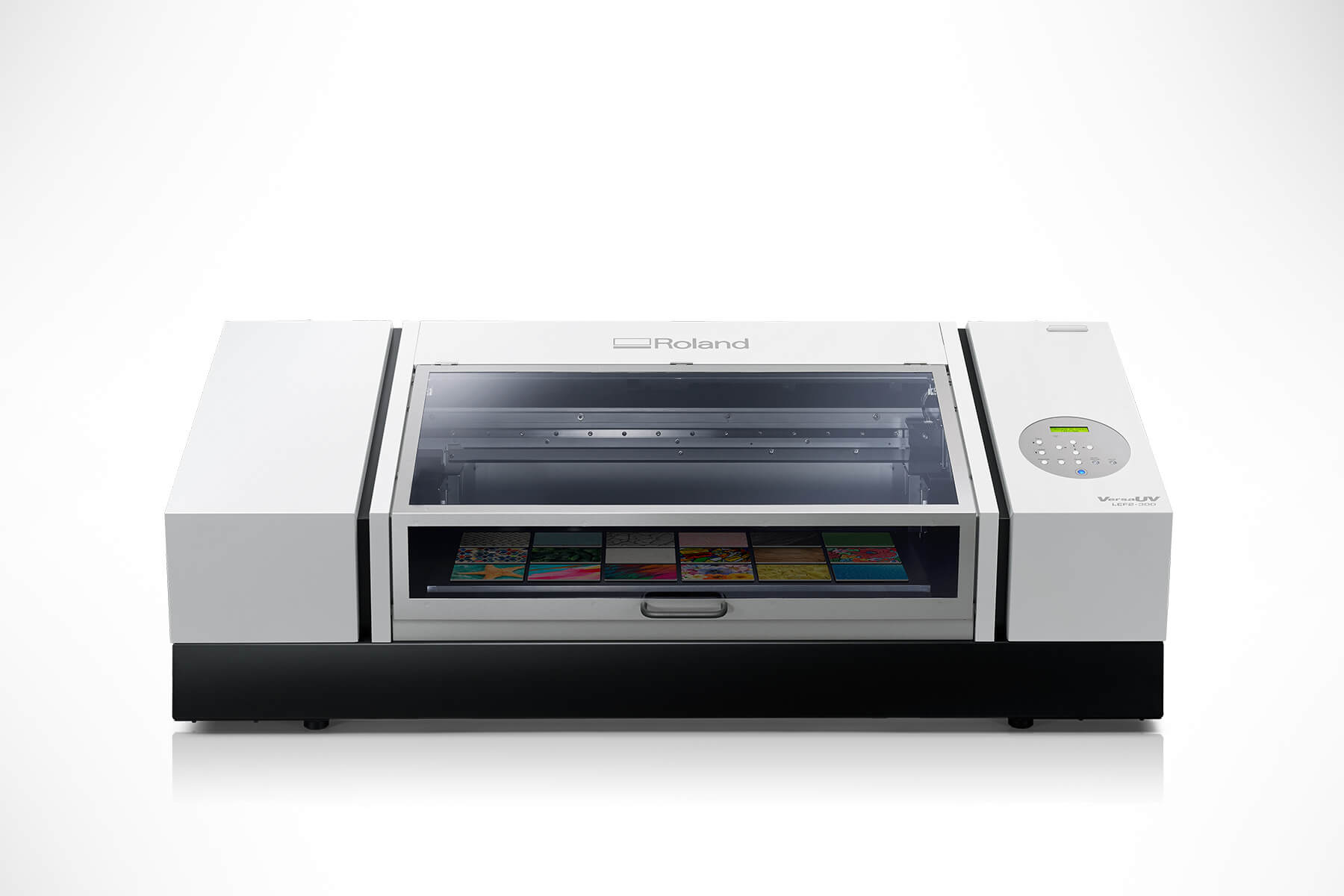 Roland Launches New VersaUV LEF2-200 benchtop UV flatbed printer.