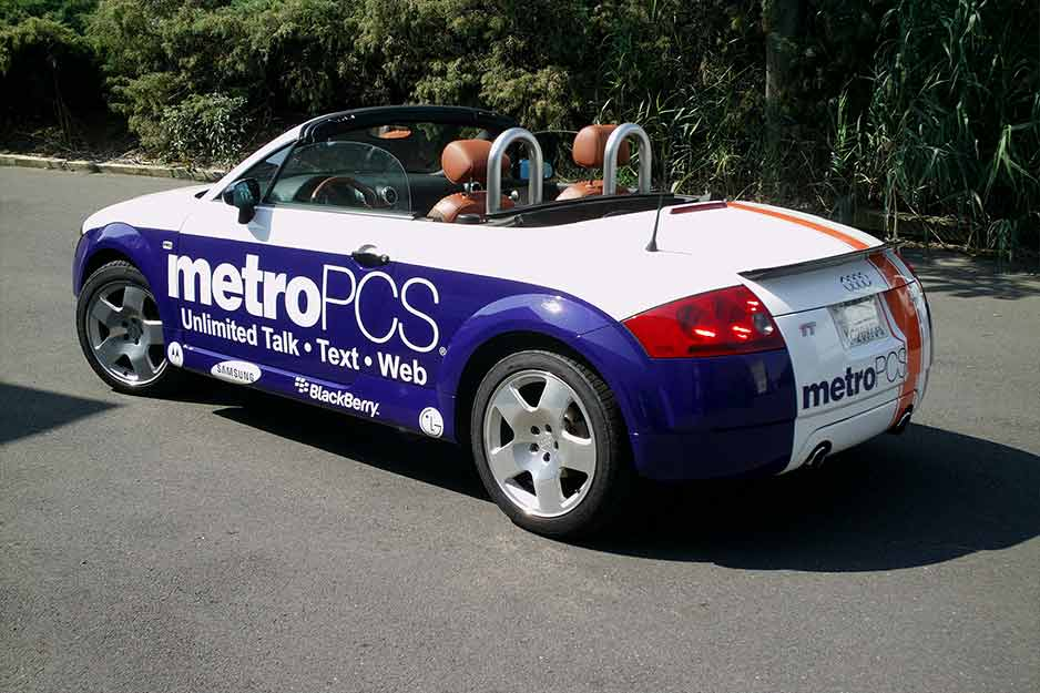 Sunrise Signs VersaCAMM vehicle wrap for MetroPCS