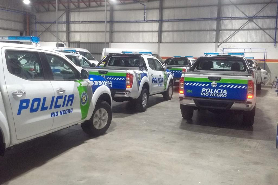 Beta produces wraps for police vehicles and other emergency response vehicles on its Roland DG printers and printer/cutters.