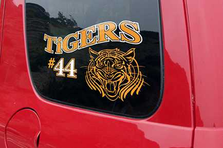 STIKA Desktop Vinyl Cutter car decal
