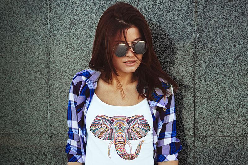 elephant-tshirt.jpg?h=533&w=800&la=en&ha