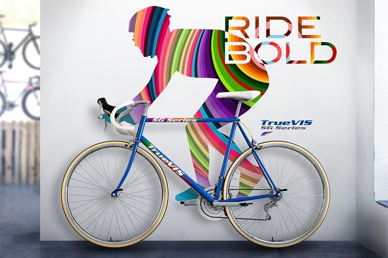Print og cut monteret på væg med cykel